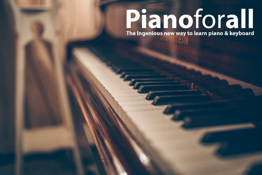 Learn to Play Piano – Advantages of Learning Piano Chords Online Over Personal Tutor Training